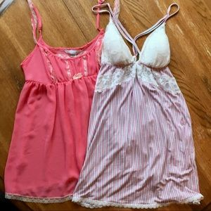 2 Victoria's Secret chemises - UEC -size Large